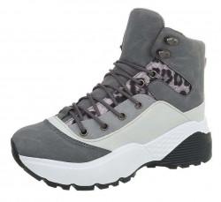 Dámske štýlové botasky Q3752
