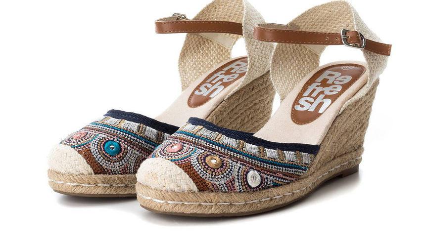 692c533953 Dámska štýlová obuv XTI L2636 - Sandále na platforme - Locca.sk