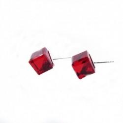 Náušnice swarovski Cube 8 mm vo farbe LIGHT SIAM – napichovačky For You Nau-kocka-010b