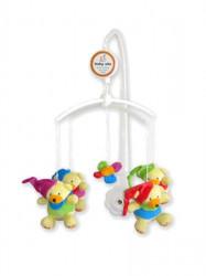 Kolotoč nad postieľku Baby Mix Medvedíky s čiapočkami multicolor