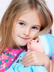 Slovensky hovoriaca a spievajúca detská bábika PlayTo Júlia 46 cm ružová #4