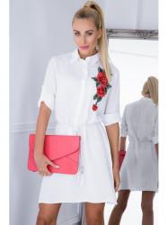 Biele mini šaty s kvetinovou nášivkou