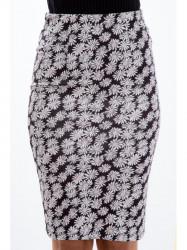 Čierná sukňa s kvetinami