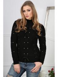 Čierny sveter so zdobenými kamienkami