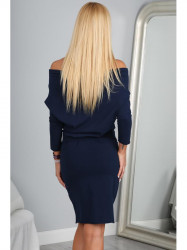Granátové šaty s odhalenými  ramenami