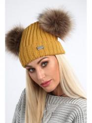 Horčicová dámska čiapka s brmbolcami C5