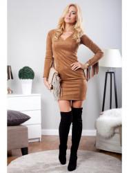 Karamelové šaty so strapcami