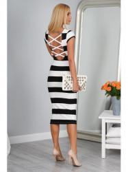 Pásikavé čierno-biele šaty