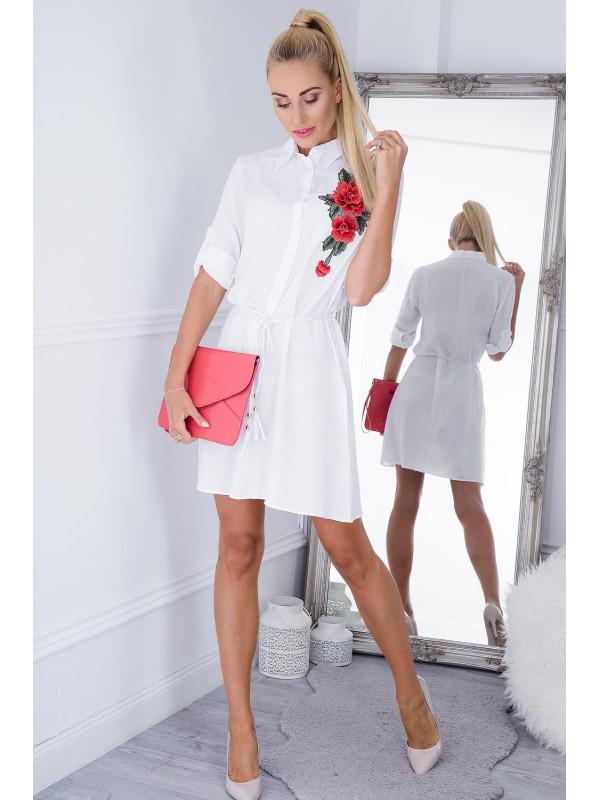 Biele mini šaty s kvetinovou nášivkou - Dámske ležérne šaty - Locca.sk 3e77453df76