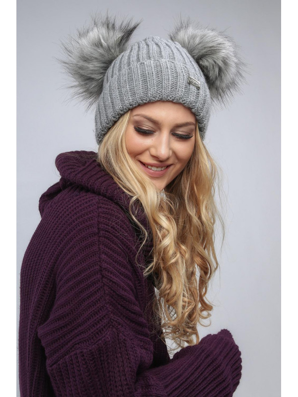 f54d140a2 Tmavo sivá dámska čiapka s brmbolcami C5 - Dámske čiapky - Locca.sk