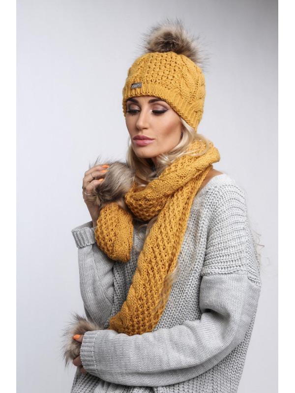 b8e60a95048 Žltý set čiapka + šál C20 - Dámske čiapky - Locca.sk