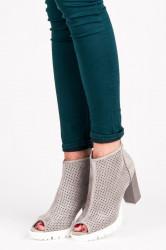 Exkluzívne dámske  členkové topánky strieborné na širokom podpätku