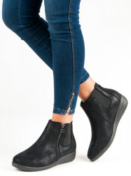 Komfortné čierne  Členkové topánky dámske na plochom podpätku