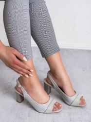 Krásne  dámske  sandále