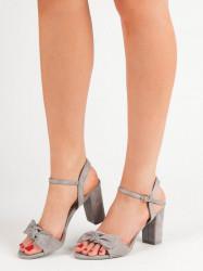 Moderné  dámske  sandále