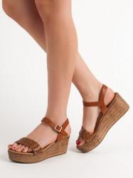 Moderné  sandále  dámske
