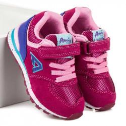 Pekné dievčenské tenisky v sýto ružovej farbe
