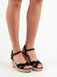 Pohodlné  sandále  dámske