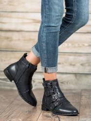 Praktické   členkové topánky dámske
