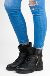 Štýlové  Členkové topánky čierne dámske na plochom podpätku