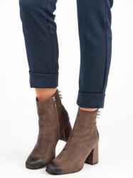 ab7175489412 Štýlové hnedé topánky na stĺpiku