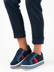 Trendy modré tenisky na platforme