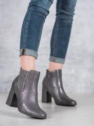 Výborné  dámske  členkové topánky