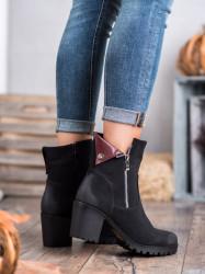 Zaujímavé  členkové topánky dámske čierne na širokom podpätku #1