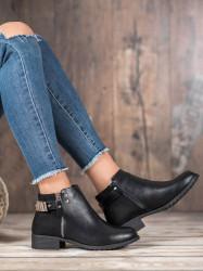 Zaujímavé dámske  členkové topánky