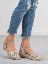 Zaujímavé dámske  sandále