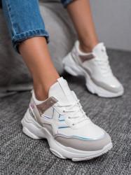 Zaujímavé dámske  tenisky