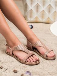 Zaujímavé  sandále  dámske