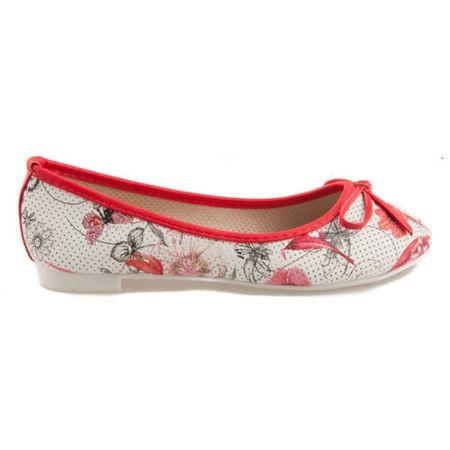 Červené balerínky s kvetmi