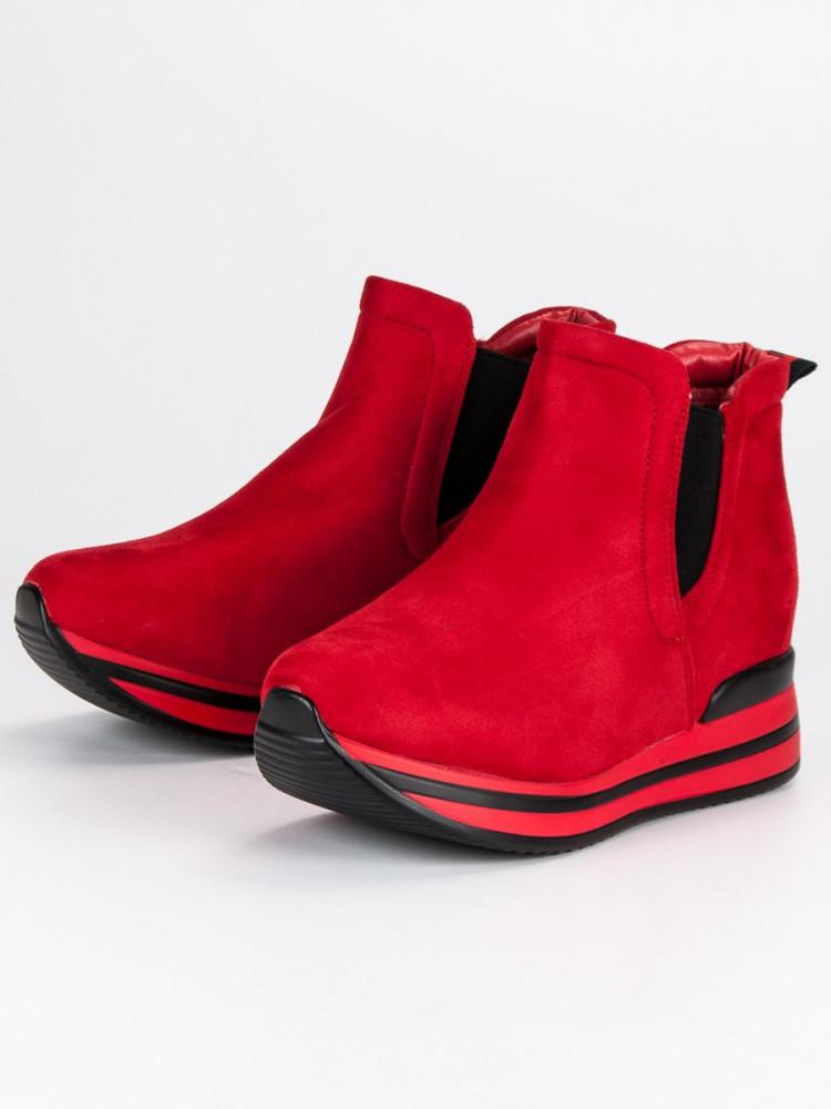 b240d708a725c Červené dámske topánky na platforme - Dámske topánky - Locca.sk