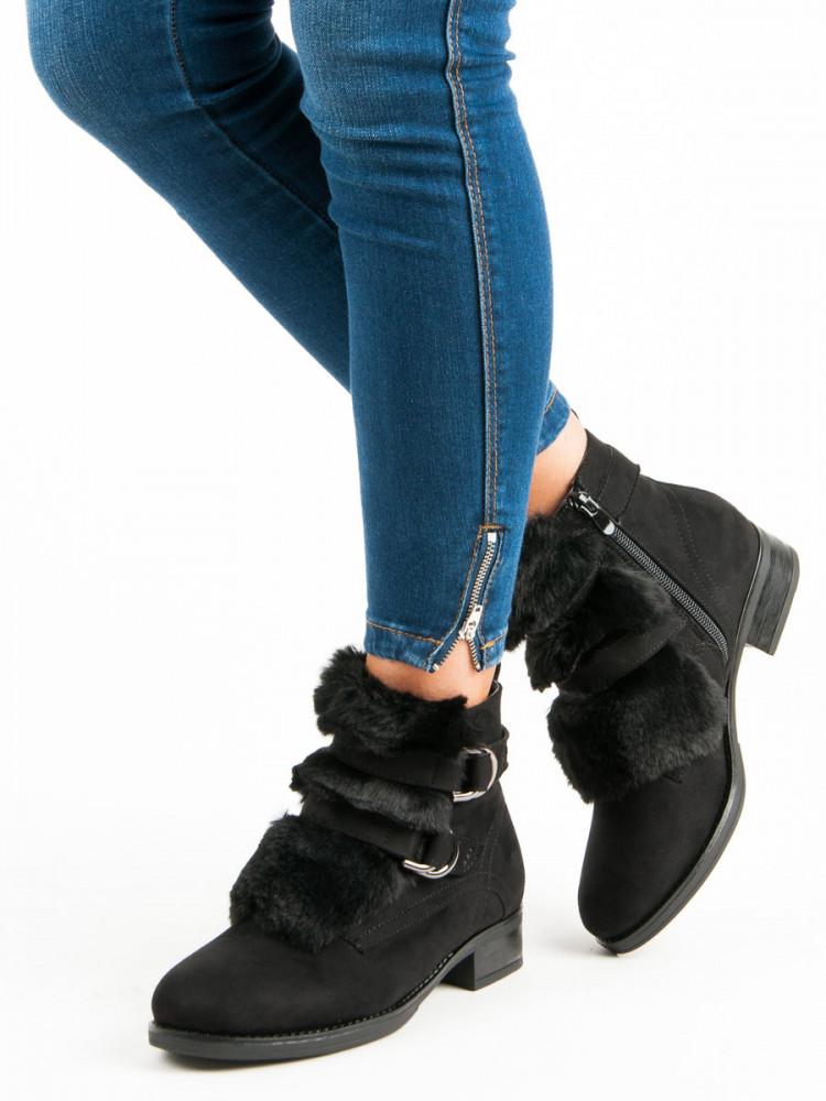 a84c9f7f96 Čierne členkové topánky s kožušinkou - Dámske topánky - Locca.sk