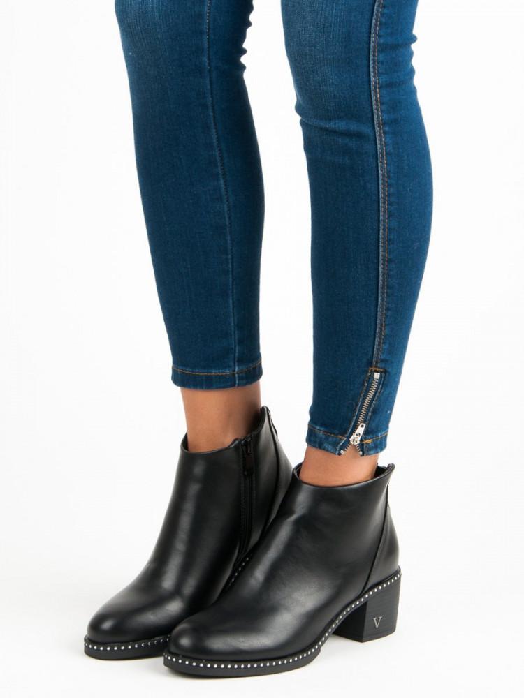 14fe7167b1 Čierne topánky na podpätku - Dámske topánky - Locca.sk