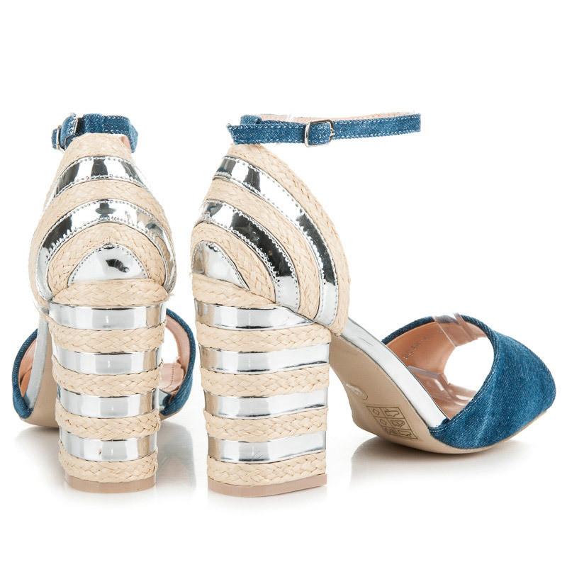 5a8cf499e32b Džínsové strieborné sandále na podpätku - Dámske sandále - Locca.sk