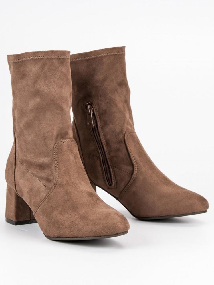 0bb9d8c4c3 Exkluzívne dámske hnedé Členkové topánky na širokom podpätku ...