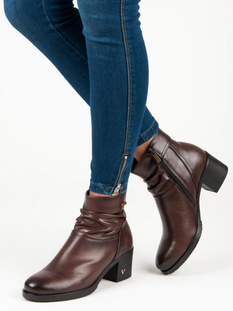 4d63df426911 Hnedé členkové topánky na podpätku - Dámske topánky - Locca.sk