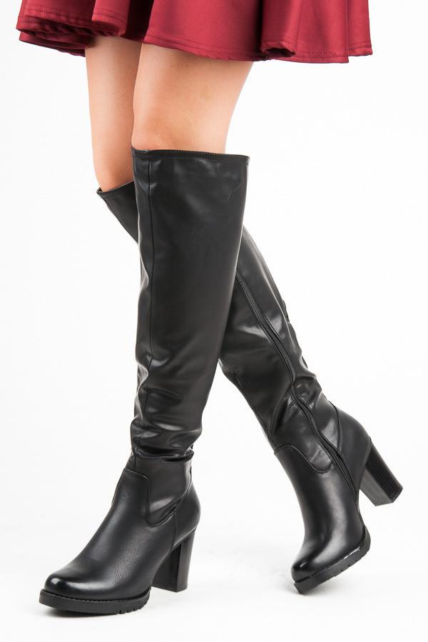 0e625f0d9726 Klasické čierne čižmy na stĺpiku - Dámske čižmy nad kolená - Locca.sk