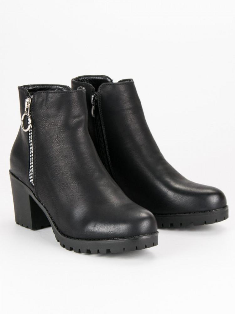 8b5328eff1c5 Klasické čierne členkové topánky na stĺpiku - Dámske topánky - Locca.sk