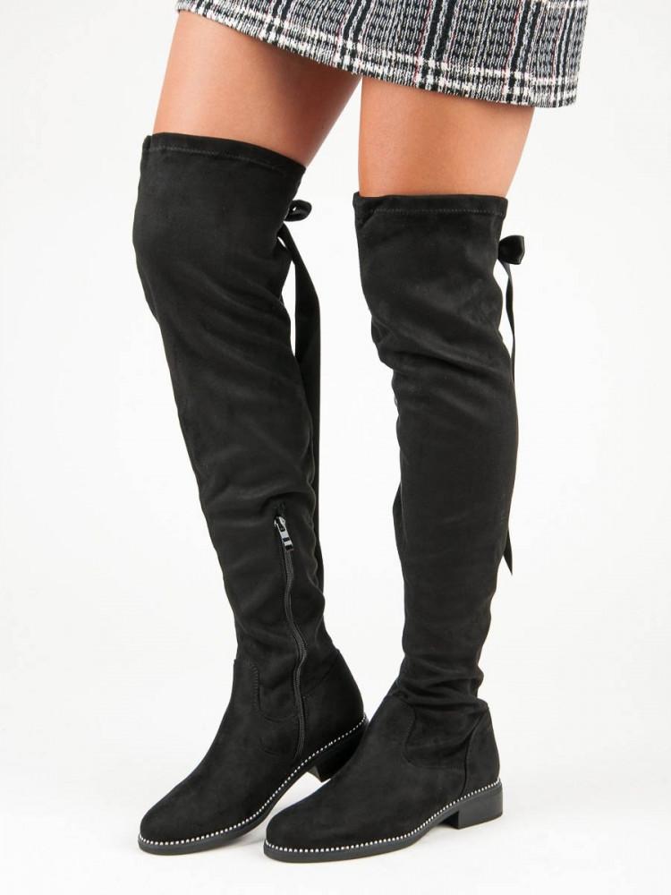 Komfortné  čižmy dámske čierne na plochom podpätku