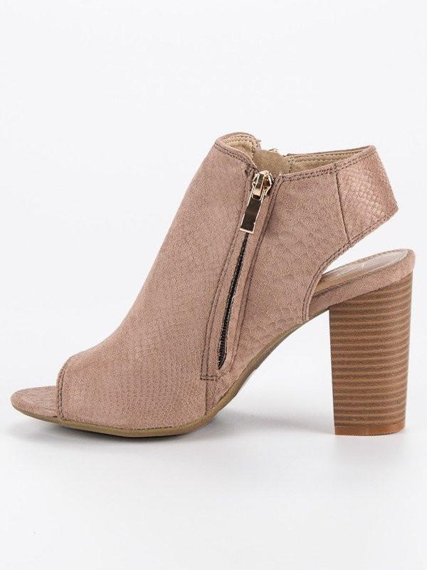 6f4487aef14f8 Komfortné dámske hnedé sandále na širokom podpätku - Dámske sandále ...