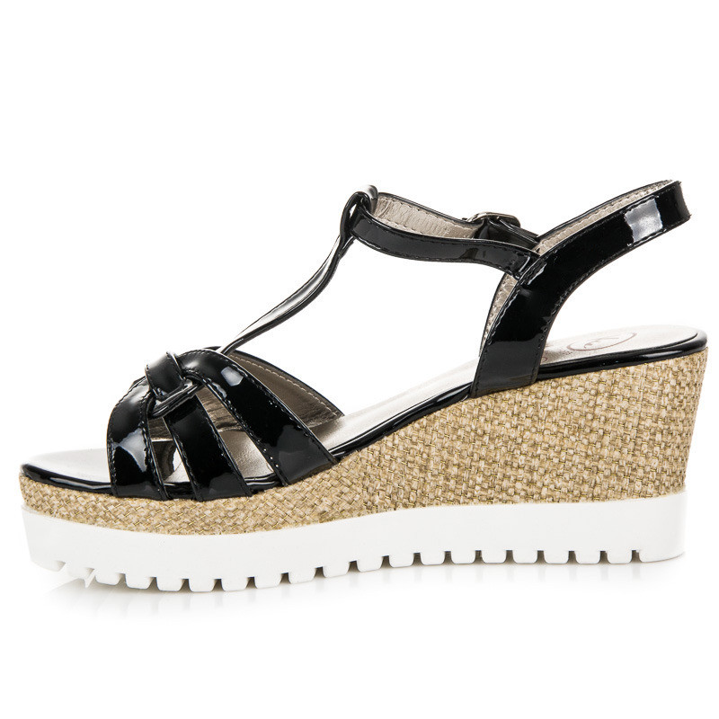 9c41730ec0eae Lakované čierne sandále na kline - Dámske sandále - Locca.sk
