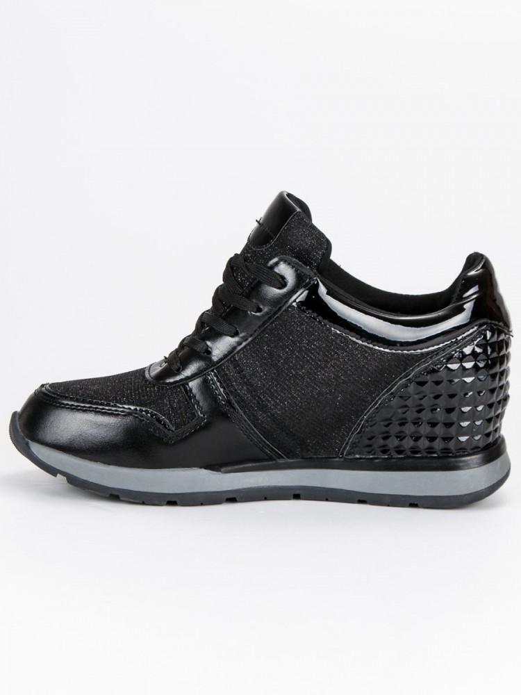 63e4acb958414 Luxusné čierne tenisky s hviezdičkami - Dámske členkové tenisky ...
