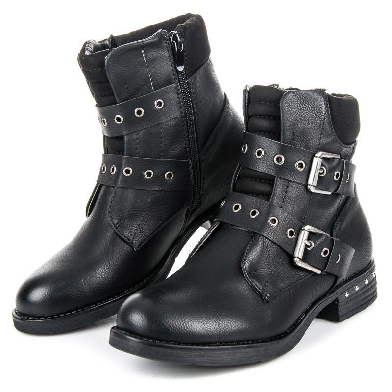 7374272f6a Módne čierne členkové topánky s prackami - Dámske topánky - Locca.sk