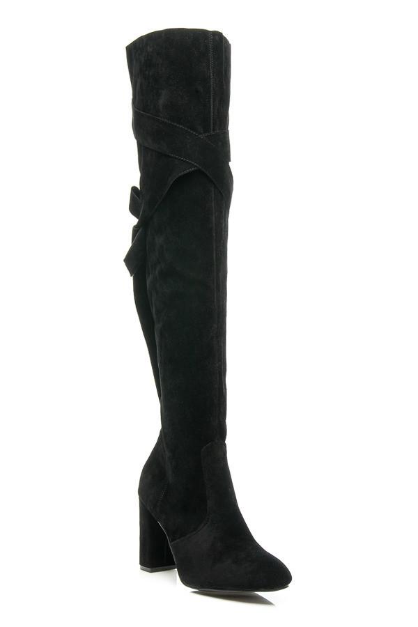 98197929ec0e2 Módne čierne vysoké mušketierky zdobené elegantnými stužkami ...