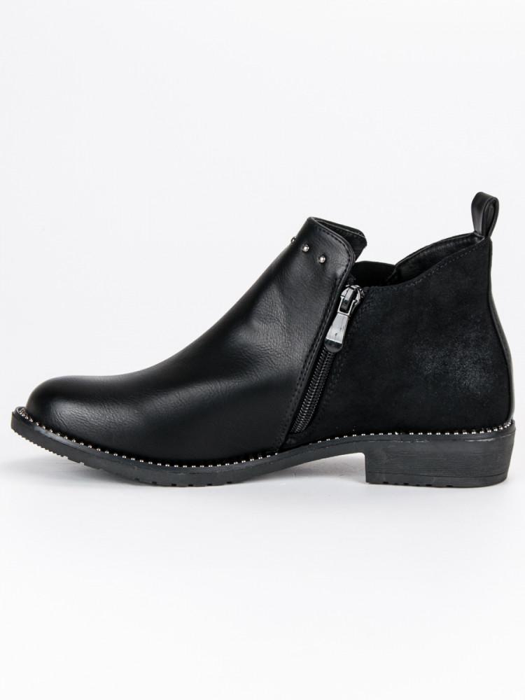 22d0fa67b8b3 Nízke čierne členkové topánky zdobené cvočkami - Dámske topánky ...