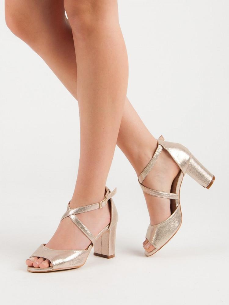 1bda393eecaa Originálne sandále dámske zlaté na širokom podpätku - Dámske sandále ...