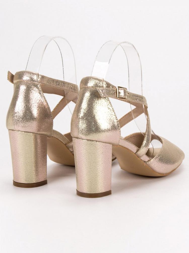 cdb65d07a4a2 Originálne sandále dámske zlaté na širokom podpätku - Dámske sandále ...